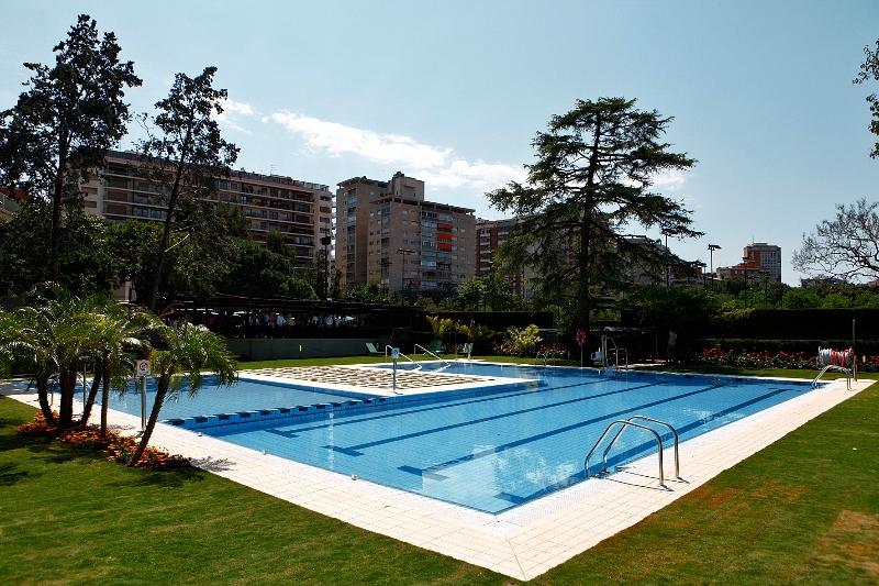 Piscina club de tenis valencia piscinas online for Piscina climatizada valencia