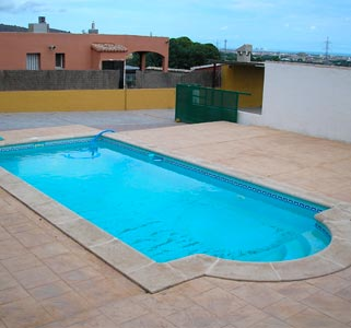 Poliester piscinas online for Fabricacion de piscinas
